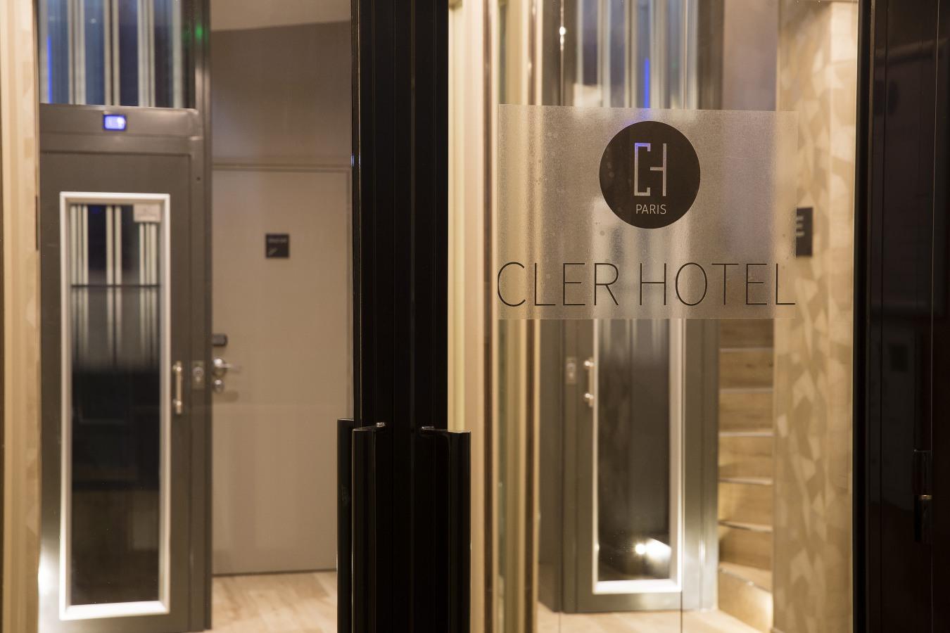 Cler Hotel - ホテル
